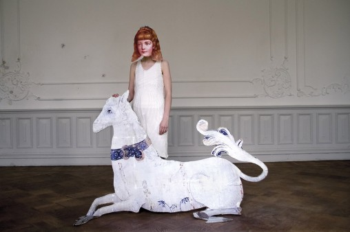 Karoliina Paappa: Girl and the White Horse, sarjasta Milavida, 2012, koko 75 x 50cm.